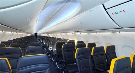 interno aereo ryanair ryanair diventa grande pi 249 spazio e meno giallo gqitalia it