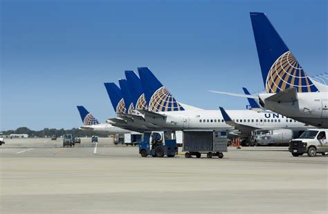 list of united airlines hubs usa today united airlines grounds flights
