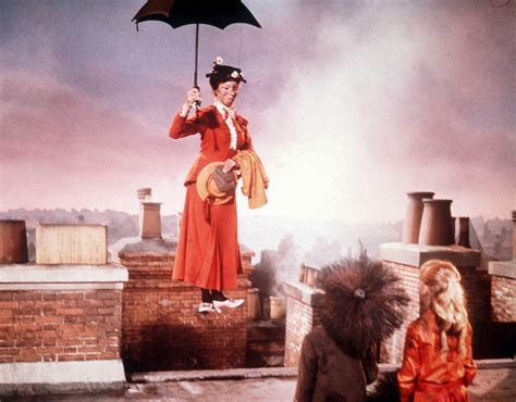 mary poppins n 186 1 julie andrews as mary poppins in the film mary poppins