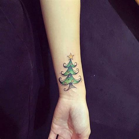 17 holiday tattoos you need to see now brit co