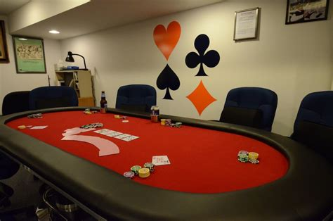 hosting  awesome poker game  home  poker table
