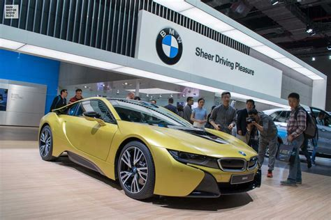 the bmw bmw i8 protonic frozen yellow edition live photos from