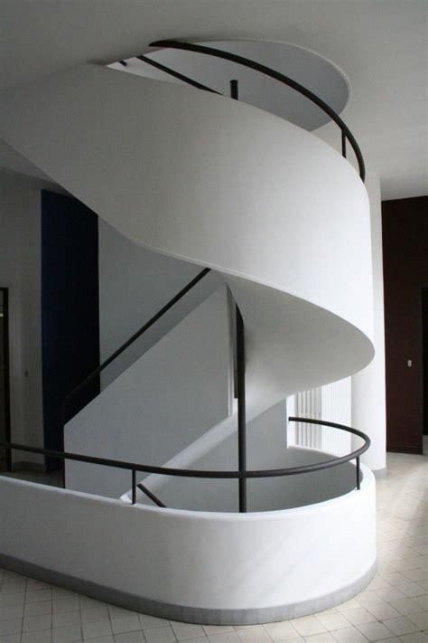 Villa Savoye Innen by Villa Savoye By Le Corbusier Staircase Remodelista