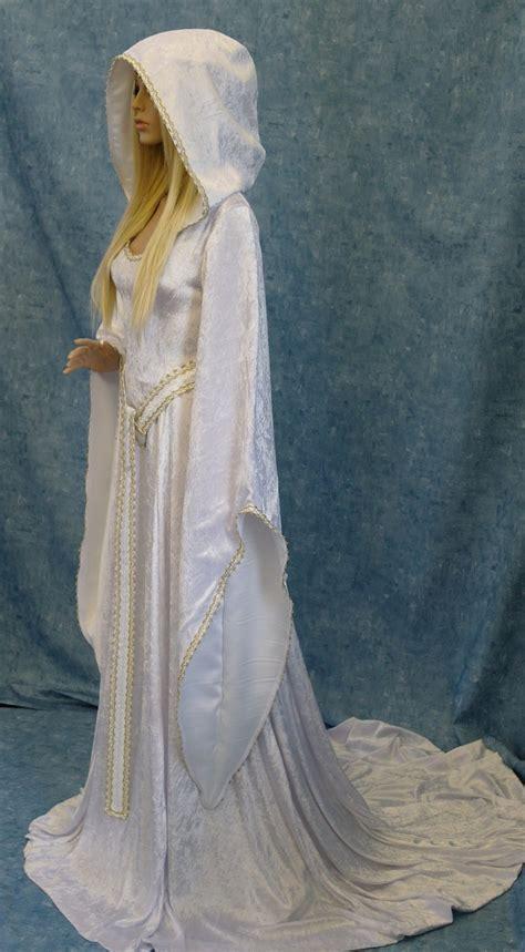 Best 25  Renaissance Dresses ideas on Pinterest   Medieval