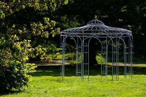 stabiler gartenpavillon stabiler gartenpavillon verzinkt metall 216 250cm pavillon