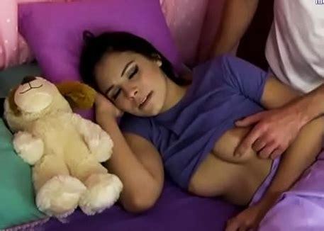 Inocente Colegiala Violada Por Su Hermano Mayor Pornoamateurvip Com