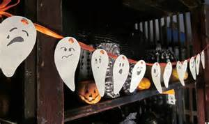 Lamp Shade Centerpieces by Easy Diy Halloween Home Decor Ideas With Ghosts Bats And