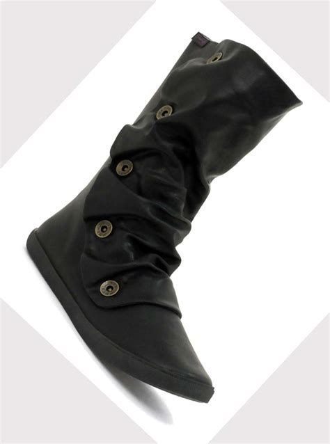 flat black boots for