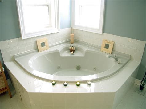 Badewanne reparieren   So wird die Wanne wieder flott!