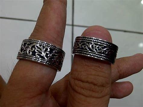 Kalung Stainless Steel Wing dinomarket pasardino cincin kalung gelang salib cowok