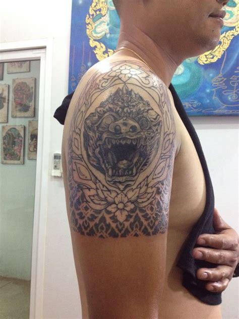 foto tattoo barong 25 melhores ideias sobre tatuagem tailandesa no pinterest