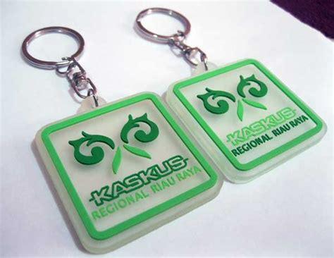 membuat gantungan kunci dari karet cara membuat gantungan kunci karet souvenir karet