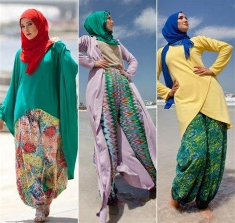 desain gambar hijab gambar model baju muslim modern terbaru untuk traveling