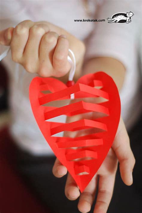 como hacer cadenas de papel crepe de tres colores regalos d 237 a de la madre 161 corazones para mam 225 pequeocio