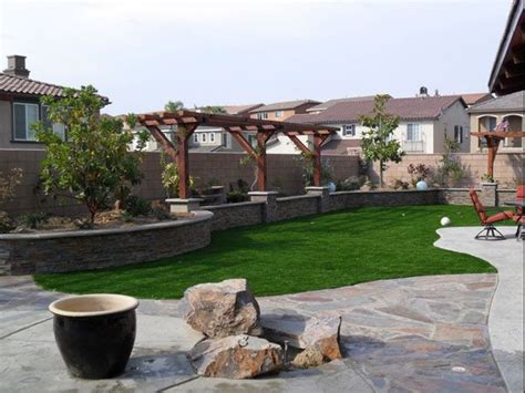 basic backyard landscaping ideas best 25 arizona backyard ideas ideas on