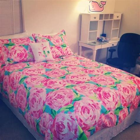 lilly pulitzer inspired bedroom lilly pulitzer bedding and vineyard vines wall decal
