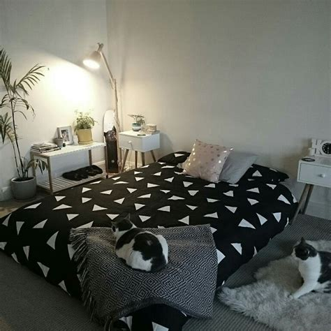 bedroom mattress on floor 25 best ideas about bed on floor on pinterest floor beds scandinavian bed covers