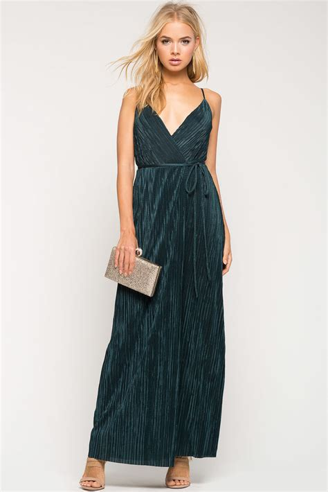 s maxi dresses helena pleated maxi dress a gaci