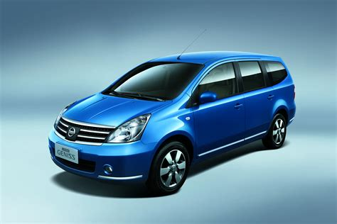 Nissan Grand Livina by Of Autorizm Nissan Grand Livina Wallpapers