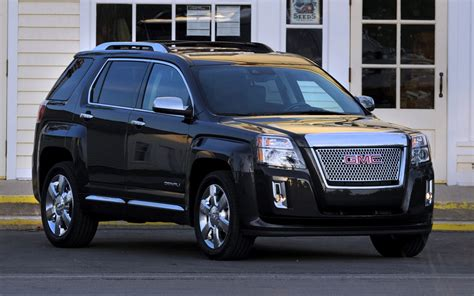chevy terrain 2013 chevy equinox vs 2013 gmc terrain chevrolet of