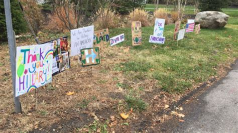 clinton s neighbors made some decorations