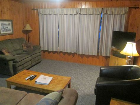 boat rental cable wi hemlock mogasheen resort northern wisconsin vacation