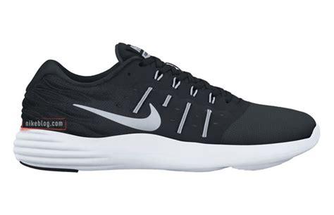 Nike Lunarlon nike lunar stelos complex