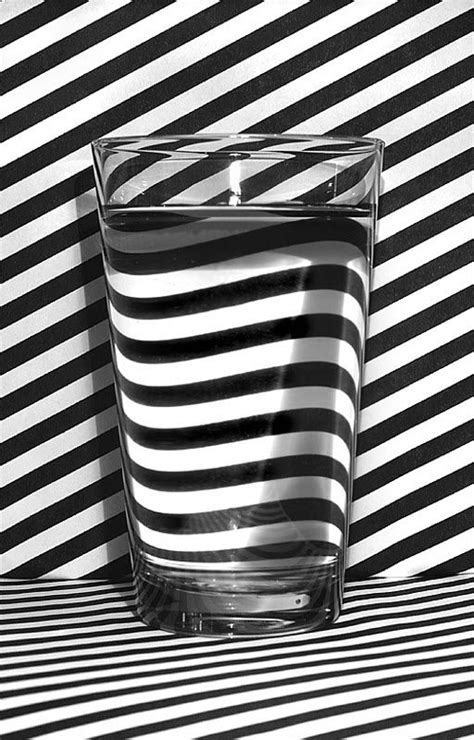 illusion glass glass of water optical illusion