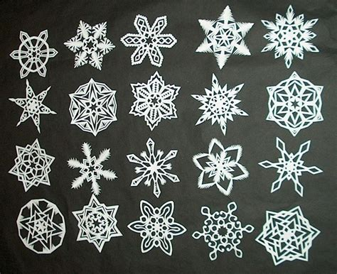 Make Paper Snow Flakes - how to make 6 pointed paper snowflakes