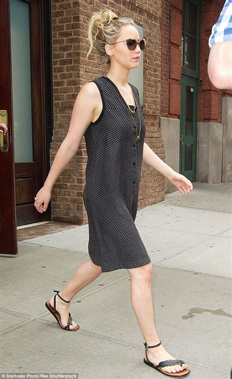 written step by step instructions for jennifer lawrence haircut jennifer lawrence displays major leg action in multiple