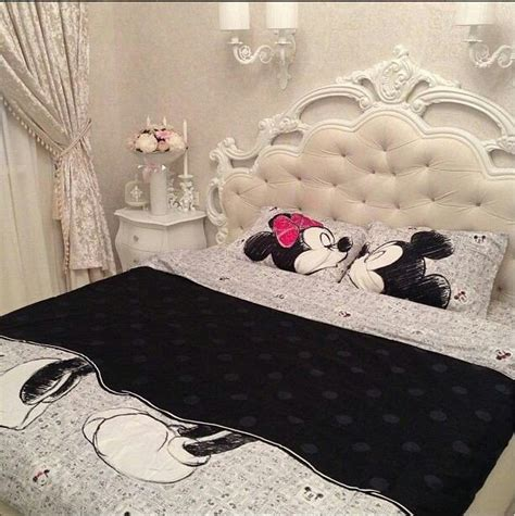 disney bedroom decor minnie and mickey bed cover disney decor pinterest