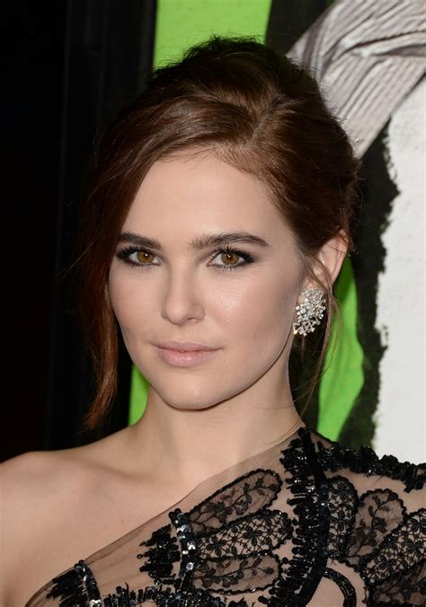 sexiest zoey deutch pictures  barnorama