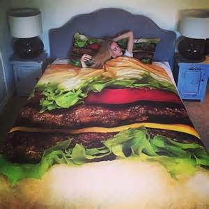 Burger Bed Set Hamburger Bed Set Hamburger Bed Sheets Food Burger Bedding Makes Midnight Snacking Easy