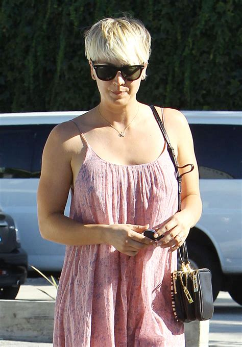 andy lecompte hair salon in west hollywood kaley cuoco leaving andy lecompte salon in west hollywood