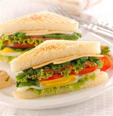 cara membuat roti tawar tanpa telur cara membuat sandwich sarapan praktis enak makanajib com