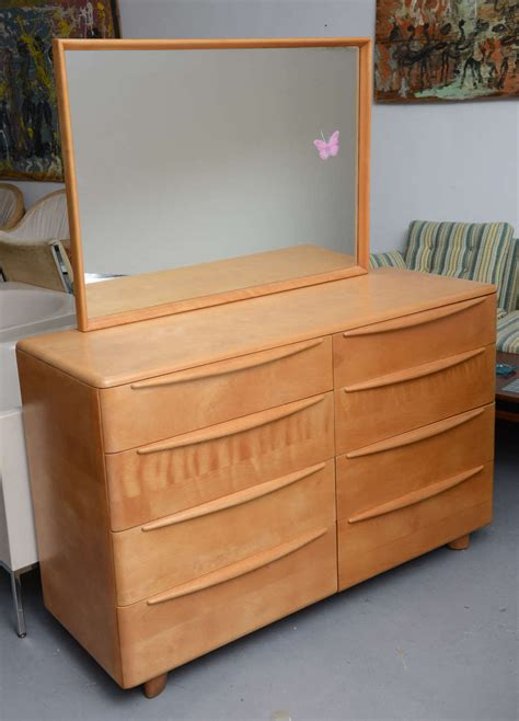heywood wakefield bedroom suite at 1stdibs mr and mrs maple dresser by heywood wakefield encore