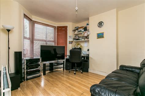 1 bedroom flat to rent streatham 1 bedroom flat to rent danbrook road streatham sw16 163