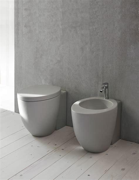sanitari colorati per bagno bagno nero e grigio per i sanitari spazio soluzioni
