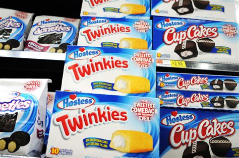 Twinkies Shelf by Let Them Eat Cakes Twinkies Are Back News