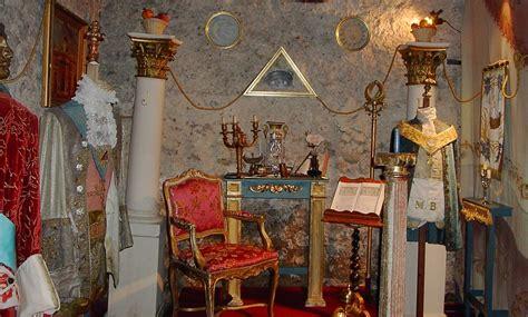 costo ingresso tour eiffel 12 musei insoliti di parigi vivi parigi