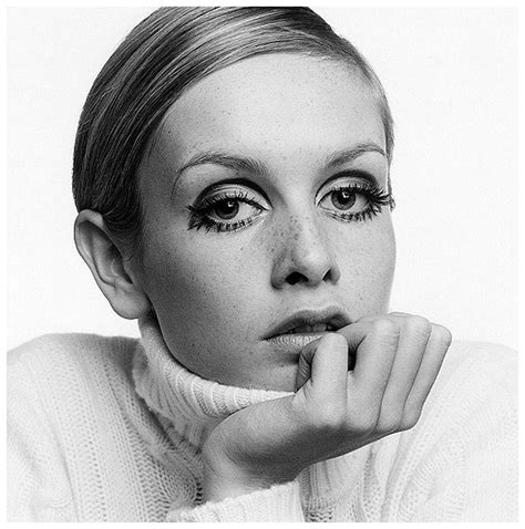 twiggy black and white the iconic twiggy a visual diary of my life