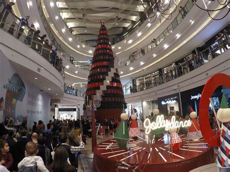 now open beirut city centre mall elie m chahine in pictures christmas tree decoration at city centre