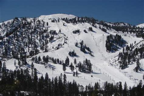 mount snow vermonts closest big mountain ski snow valley mountain stats info onthesnow