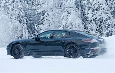 porsche snow 2016 porsche panamera spied playing in the snow