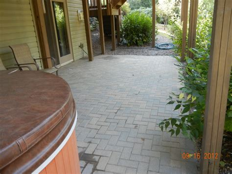 How To Lay A Brick Patio Yourself by How To Lay Pavers For A Patio Fixing A Brick Patio Yourself