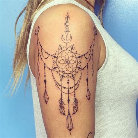 underbreast tattoo 25 best ideas about tatuaggio mandala on