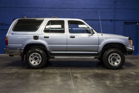 purchase used 1995 toyota 4runner sr5 4x4 5spd manual non smoker clean must sell no reserve 1995 toyota 4runner