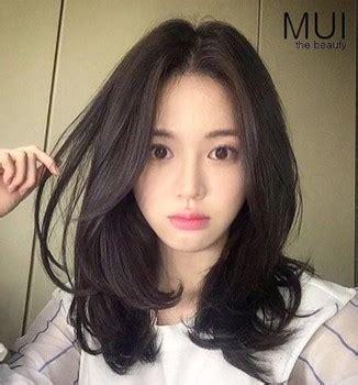 model potongan rambut wanita sebahu ala korea model gaya