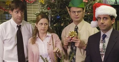 the office holiday episodes season 4 the office quot quot episode 10 years later reveals just how much has changed