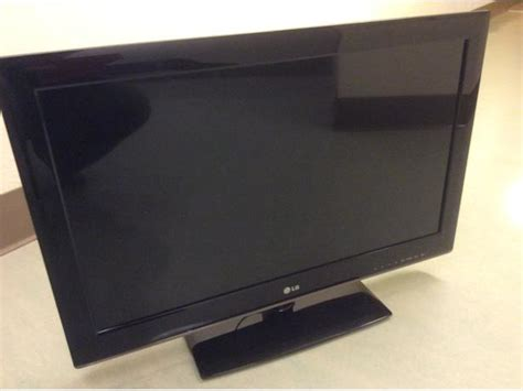 Lg Tv Rack by 32 Quot Led Lg Tv Includes Stand And Wall Mount Hang Kit